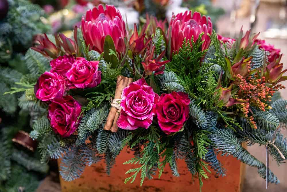 Flower Centrepiece Ideas For An Australian Christmas